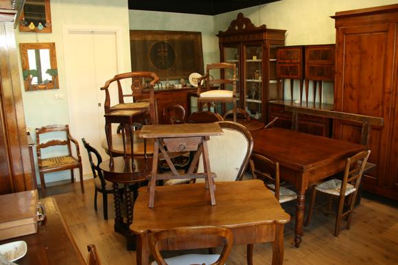 イタリアの商店<第23回>家具の命を美しく延ばす「家具修復工房」