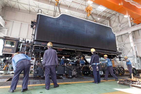 蒸気機関車「D51」復活へ 新しく生まれ変わった炭水車