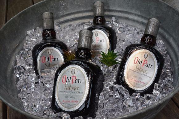 オールドパー シルバーで極上のウイスキーソーダを〈PR〉