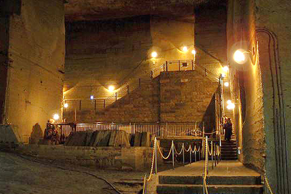 国内外で注目度上昇 石の町に眠る驚きの巨大地下神殿