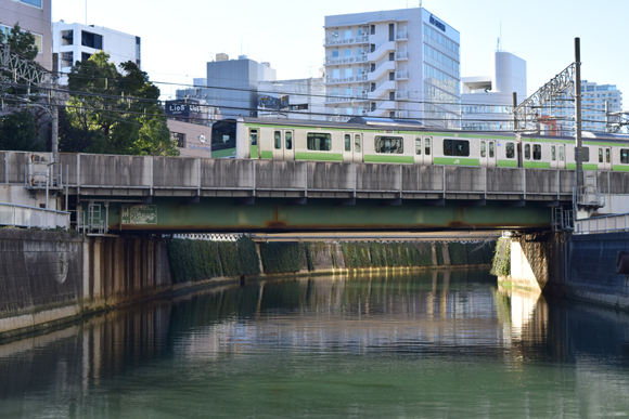 五反田駅<1> 目黒川を渡る山手線の風景が何よりの見どころ