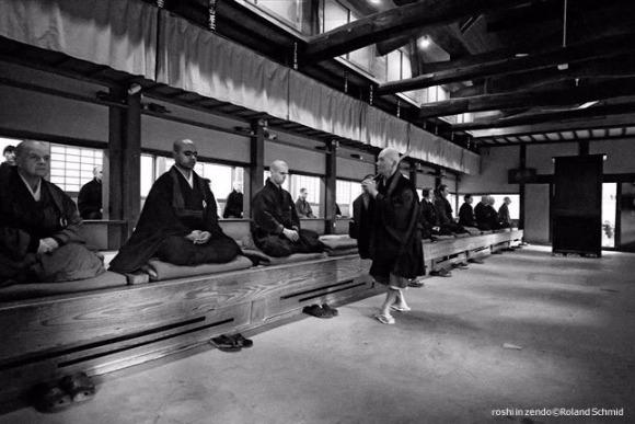 共通語は英語 外国人修行僧ばかりの岡山のZEN寺