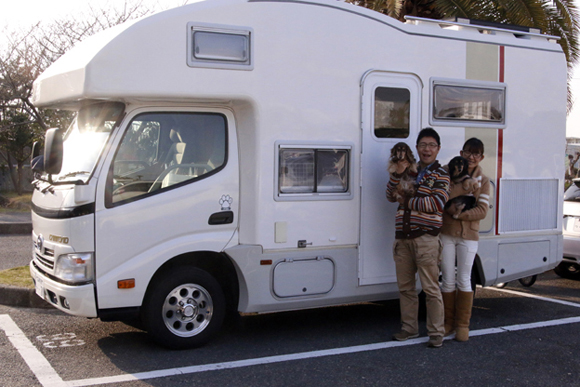 キャンプ車で愛犬の介護~フリーアナウンサー・辻よしなり