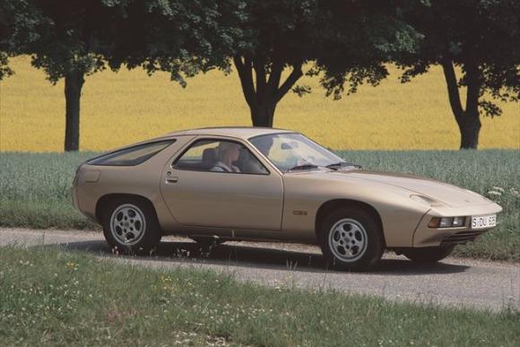 世界の名車<第111回>理想を追求したGT「ポルシェ928」