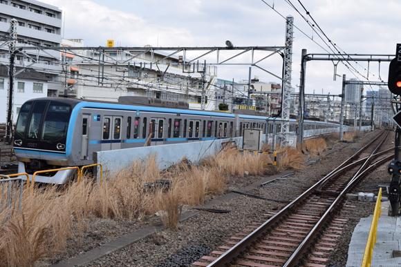 中野駅 意外に面白い新宿寄りホームからの眺め
