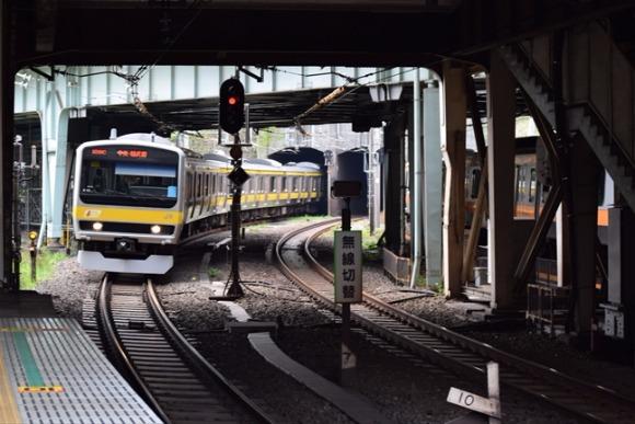 四ツ谷駅 歴史ある御所トンネルを中央線・総武線が出入り