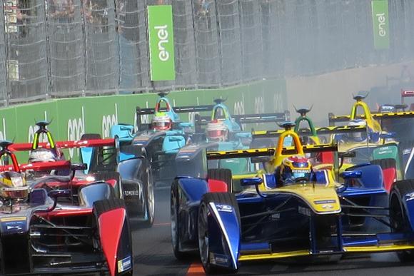 「ベルリンePrix」でセバスチャン・ブエミが今季3勝目