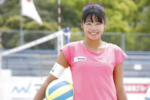 砂上の楽しさと奥深さに引かれ ビーチバレーボール・坂口佳穗さん