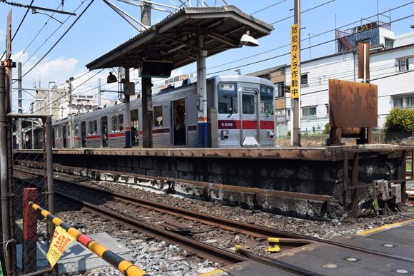 北池袋駅 東武東上線と埼京線の分岐帯で踏切群と山手線車庫を堪能