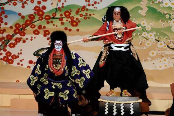 子供が泣くほどかっこいい、海老蔵気迫の大歌舞伎