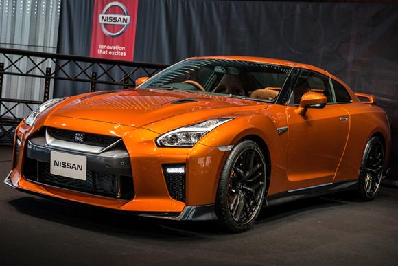 2017年モデルの「日産GT-R」を発売