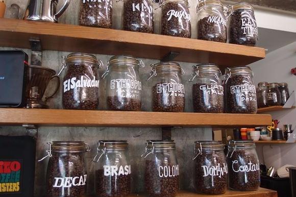 口コミで1位獲得 大阪の小さなコーヒー店が愛される理由