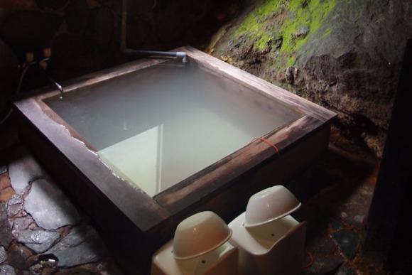 外国人の旅を応援する1泊3500円の温泉付きゲストハウス