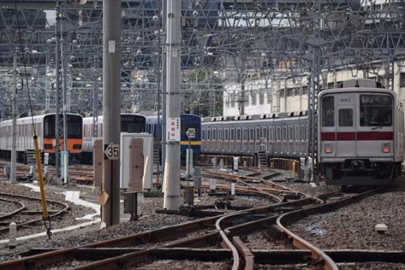 下板橋駅 東武東上線の留置線が見られる各駅停車の穴場