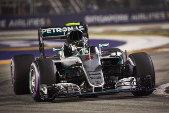 F1第15戦シンガポールGP速報、ロズベルグ3連勝で首位奪還