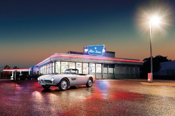 世界の名車<第133回>生産台数200台強の「BMW507」