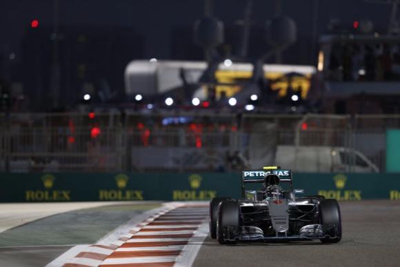 F1最終戦アブダビGP、ロズベルグ2位で初タイトル獲得