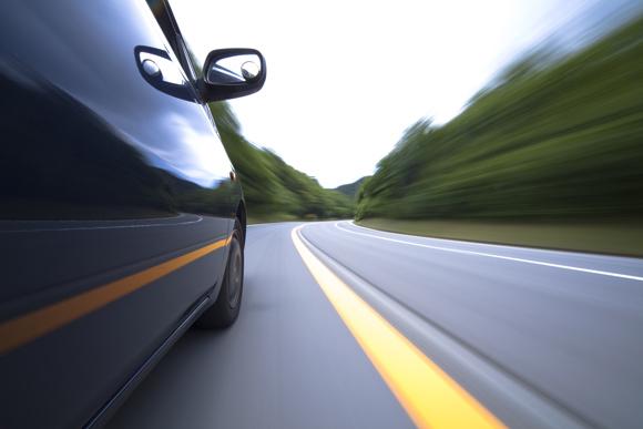 高齢ドライバーによる事故の原因は注意力の低下