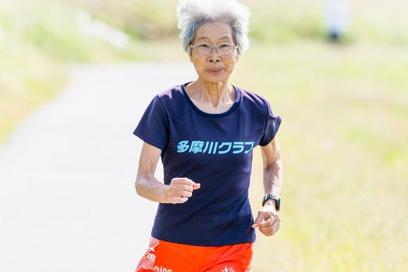 80歳を超えてもなおマラソン世界記録に挑み続ける中野さん