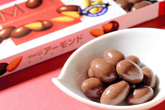 海外のチョコも食べたけど、結局このアーモンドが一番 林英哲さん