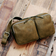 土屋鞄製造所「ビークル トリジップボディーバッグ」