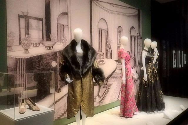 服と生活空間・時代の深い関係 「モードとインテリア展」