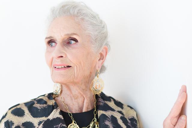 「人は年を取るほど美しい」88歳のモデル、ダフネ・セルフさん