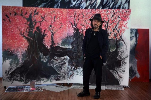 山本耀司、展覧会「画と機」について語る