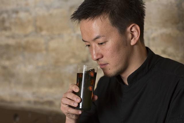 パリで高い評価を得る吉武広樹シェフが「ネスカフェ」を選ぶ理由