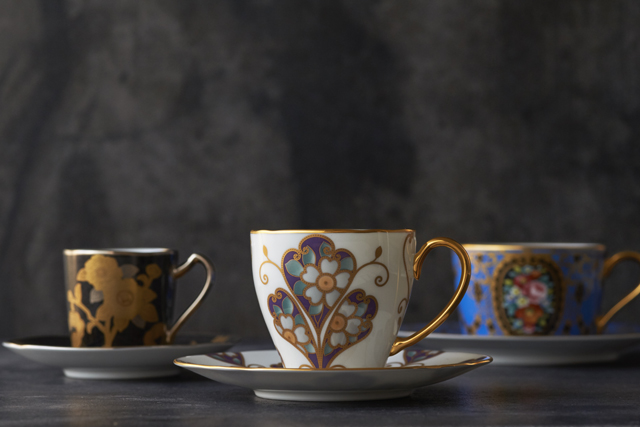 ノリタケ「オマージュ コレクション」のコーヒーカップをプレゼント