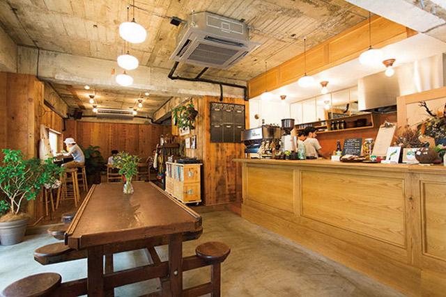 <2>心地よさを追求した普段使いのカフェ ~PADDLERS COFFEE 西原本店