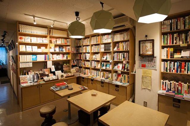 韓国の本とちょっとしたカフェ