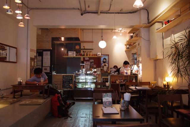 """<9>東京のど真ん中、""""外国人しかいないカフェ"""" ~ZABUTTON(前編)"""