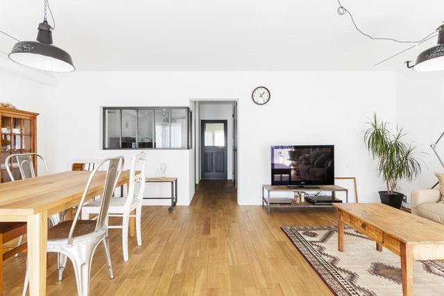 <131>「ドイツの公営団地」に、選び抜いた家具たちと住む