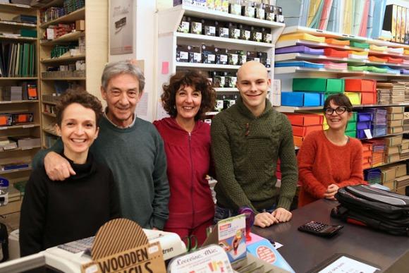 【イタリアの商店】学生街の文具店