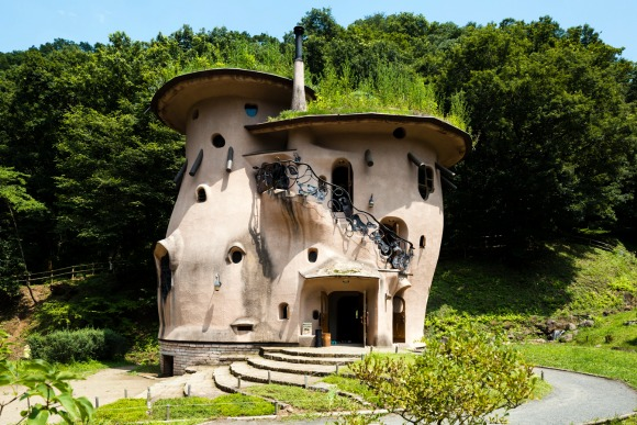 気づくと面白い、日本の不思議建築