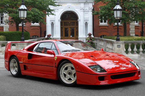 世界の名車「フェラーリF40」