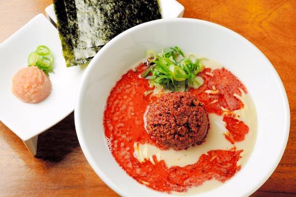 辛めで食べる「一風堂 恵比寿店」のからか麺 朴璐美さん