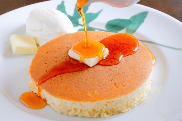 タイの漫画家ポンニミットさんの定番は素朴なホットケーキ