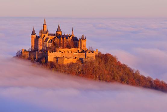 歴史ロマンあふれる夢想遺産「世界の天空の城」