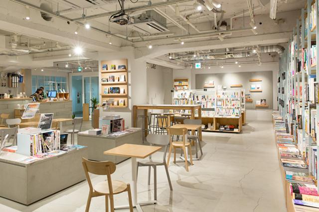 〈ブックカフェ〉(60)BOOK LAB TOKYO