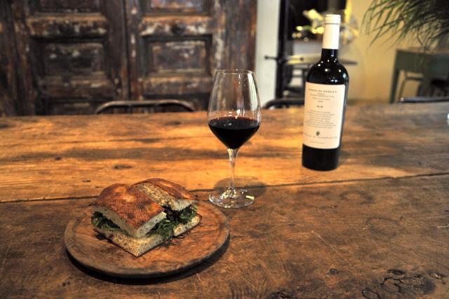 総菜+パン+ワイン イタリア式の愉悦