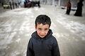 アレッポ東部マサケン・ハナノ地区で避難生活を送る子ども=9日午後、アレッポ、矢木隆晴撮影