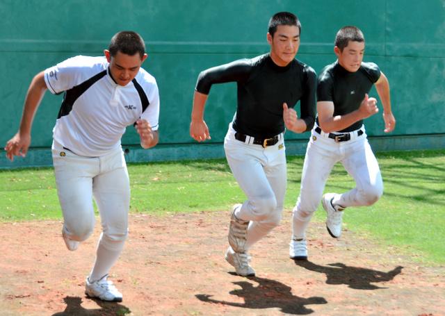 沖縄の高校野球情報   沖縄タイムス+プラス