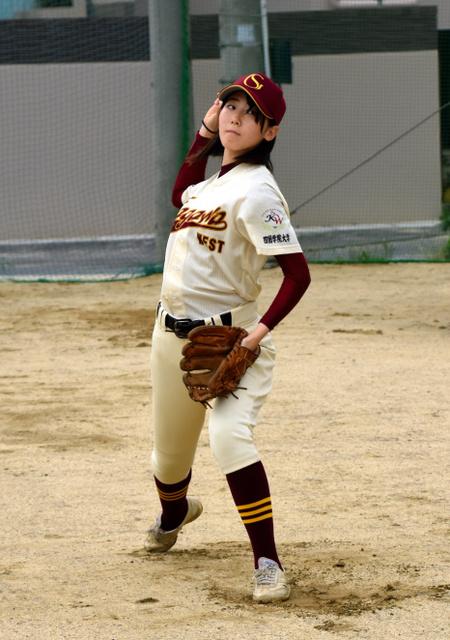 香川)県内唯一の女子軟式野球部...