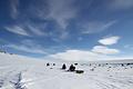氷上で3カ月、キャンプ生活しながら地質や地形を調査する