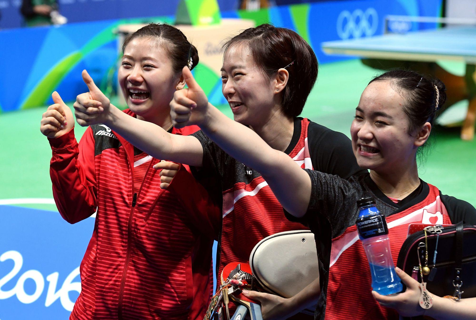 卓球女子団体、団結の銅
