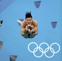 男子3メートル板飛び込みで準決勝進出を逃した寺内健=西畑志朗撮影