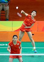 女子ダブルス準々決勝でマレーシア組を破り、準決勝進出を決めた高橋礼華(上)、松友美佐紀組=林敏行撮影