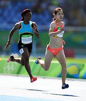 女子200メートル予選で敗退した福島千里=諫山卓弥撮影